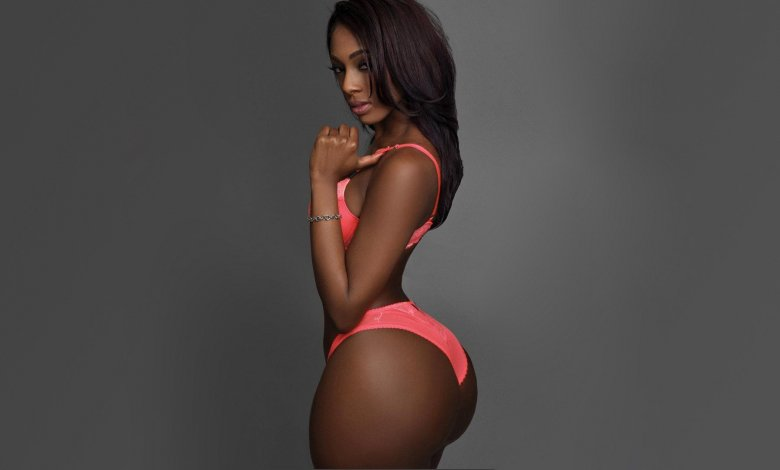 Big Booty Webcams – Watch Ebony Girls Showing Their Butts