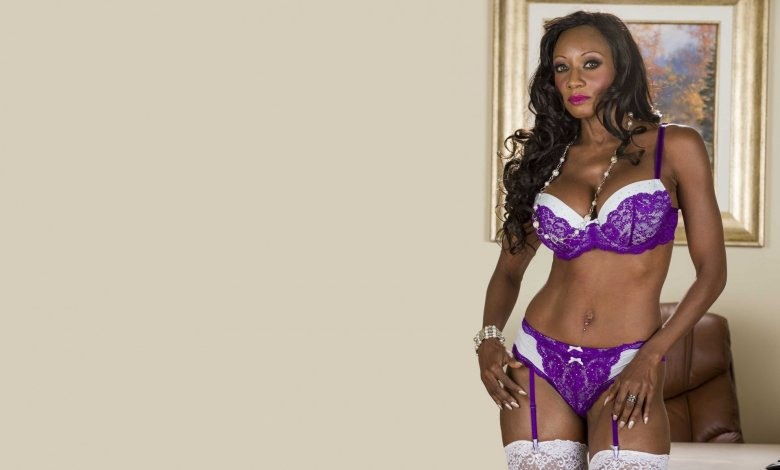 Granny Webcams: Ebony Grannies Do Not Mind You Are Watching
